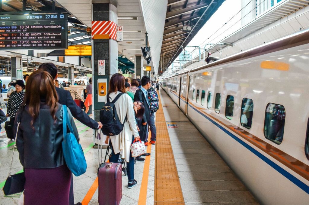 Reservation needed for large luggages on Shinkansen from May 2020
