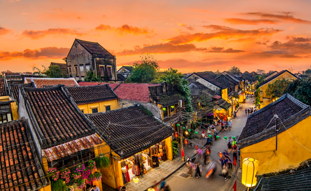 hoi an ancient town sunset