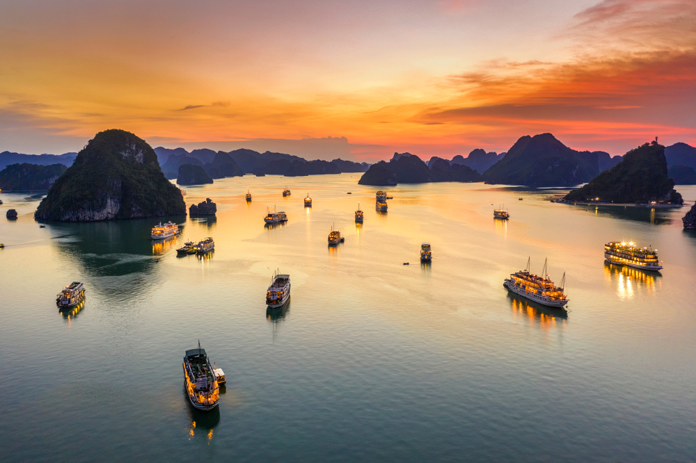 Ha Long Bay Sunset UNESCO sites in vietnam