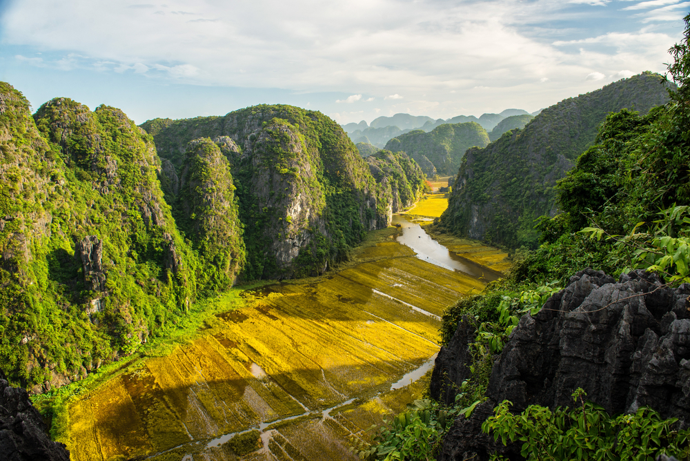 Trang An Landscape Complex UNESCO sites in vietnam